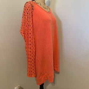 💕Maurices salmon orange lace sleeve top Size 1 🛍